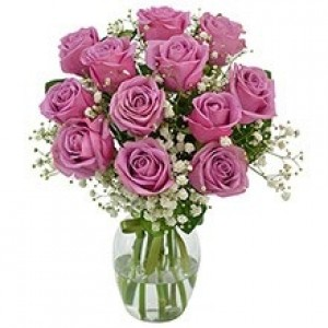 Buquê de 12 Rosas Lilas no Jarro de Vidro