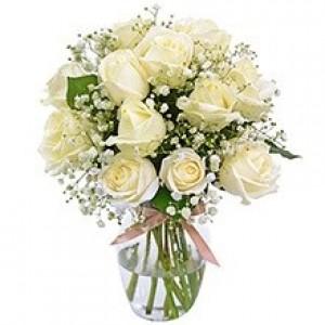 Buquê de 12 Rosas Brancas no Jarro de Vidro