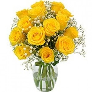 Buquê de 12 Rosas Amarelas no Jarro de Vidro